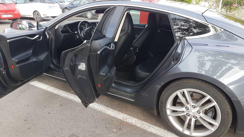 Taxi Nîmes tesla