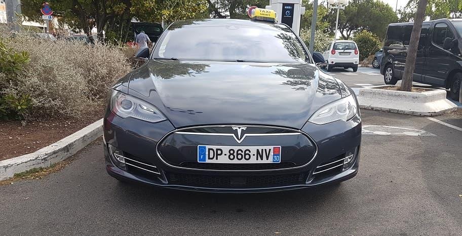Véhicule Tesla Nîmes écologique