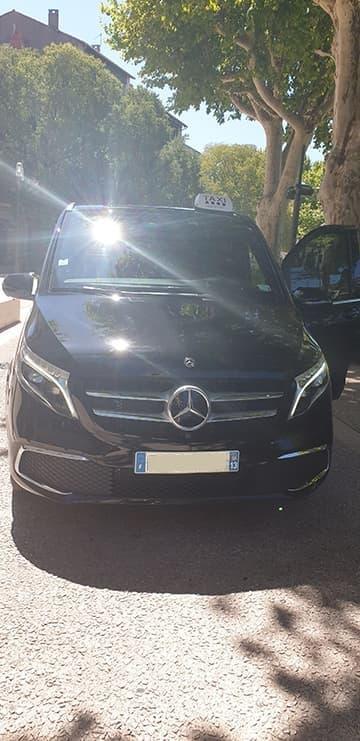 Trajet en taxi avec minibus pour vos trajets à Nîmes